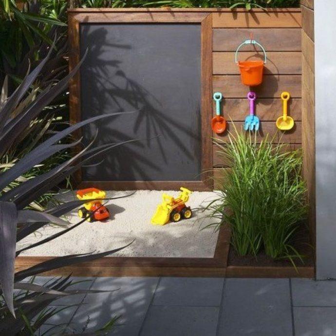 площадка с песком для подростков на даче готовая конструкция
