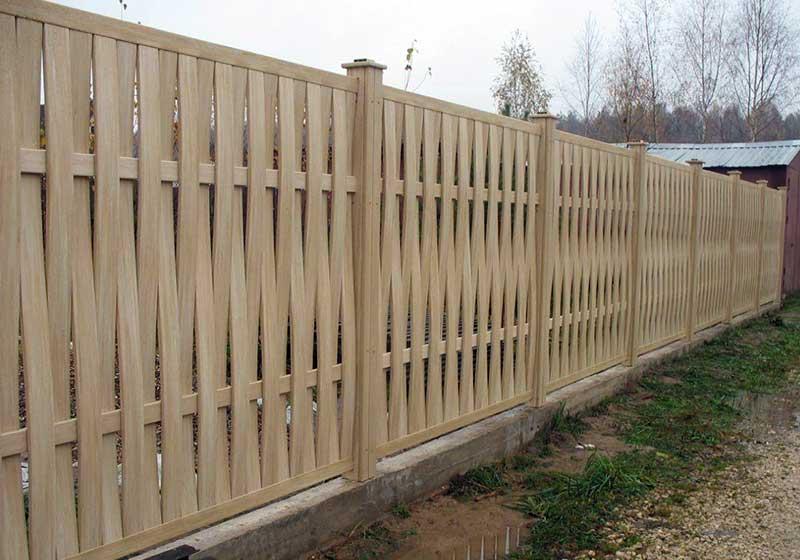 Как создать плетеную изгородь своими руками - забор из веток, досок или прутьев на даче